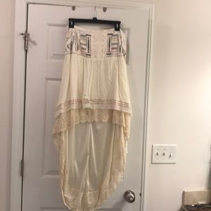 Dresses & Skirts - Adorable off-white bohemian high low skirt